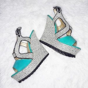 Yoki Wedge Heels Size 8